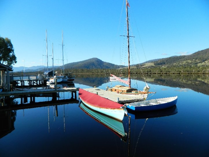 image boats on Huon river