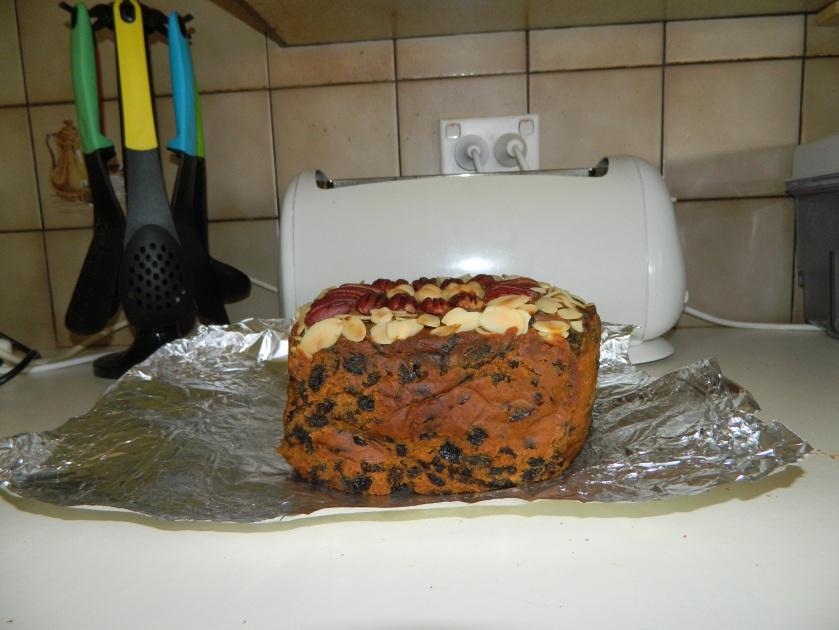 image fruit cake