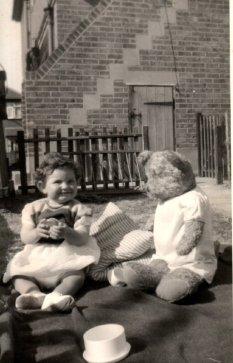 Vanda aged one year with Big Teddy