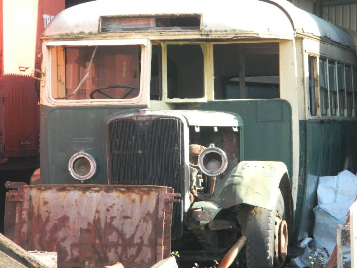 An old bus at the Tasmanian Transport Museum.http://www.railtasmania.com/ttms/
