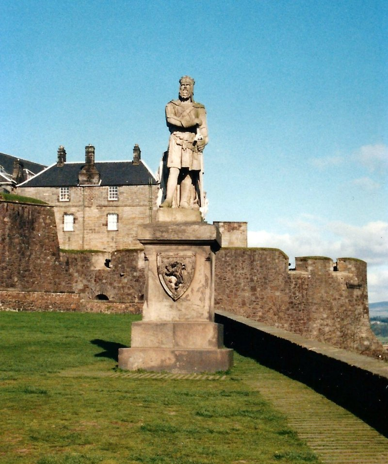 Statue of Robert the Bruce on the esplanade of Stirling Castle