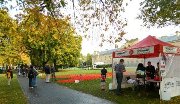 Local Rotary Club members sell poppies for ANZAC charities.