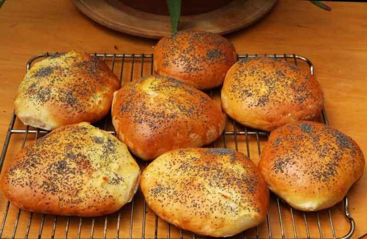 White_bread_rolls_recipe