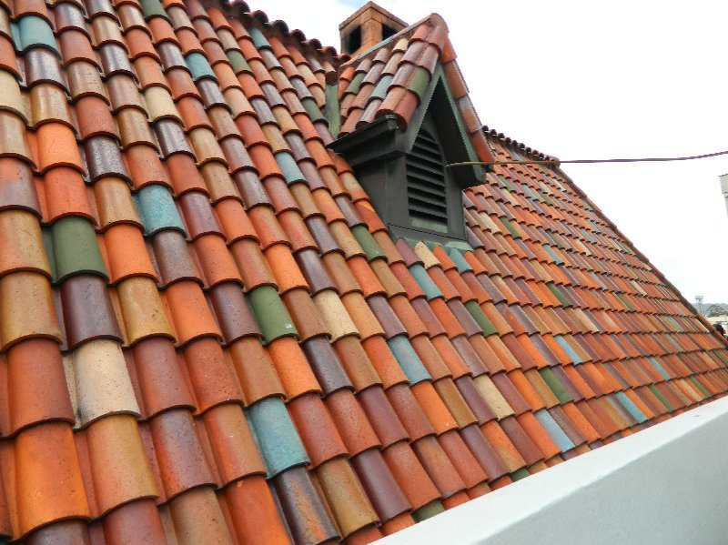 hand painted terracotta tiled roof