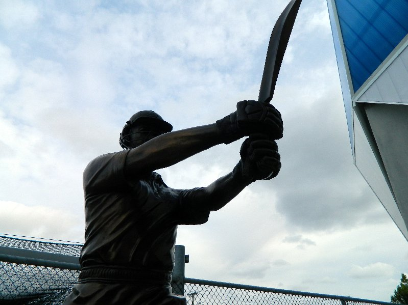 Bronze Ricky Ponting Statue