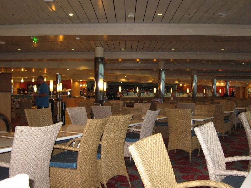 The Windjammer Marketplace buffet-early morning.