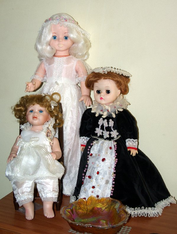 I was given these dolls last week.
