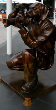 Bronze sculpture in Salamanca Square