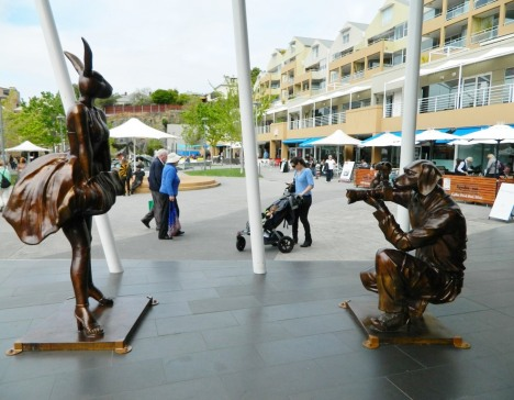 Bronze sculptures at Salamanca by Gillie and Marc