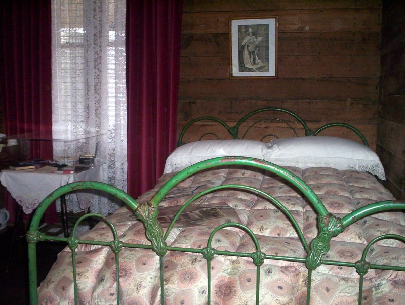 Antique bed at the museum in Woodsdale Tasmania