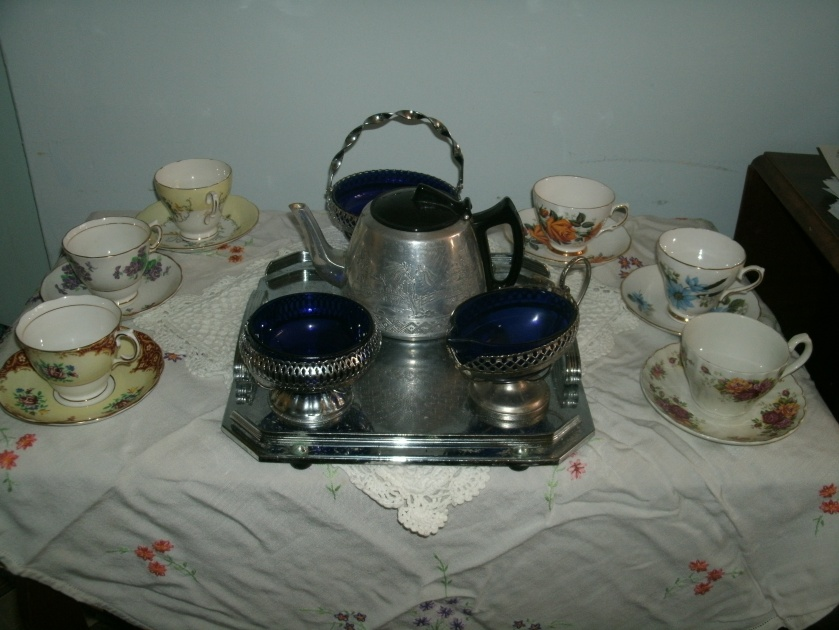 More vintage tea cups