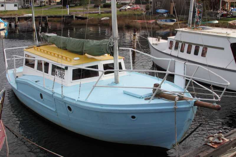 Durham - On the Huon River at Franklin July 2014