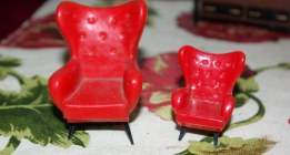 Comparison between Triang 1:16 scale and Bluebox 1:24 scale furniture.