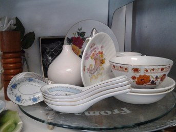 Miscellaneous serving ware