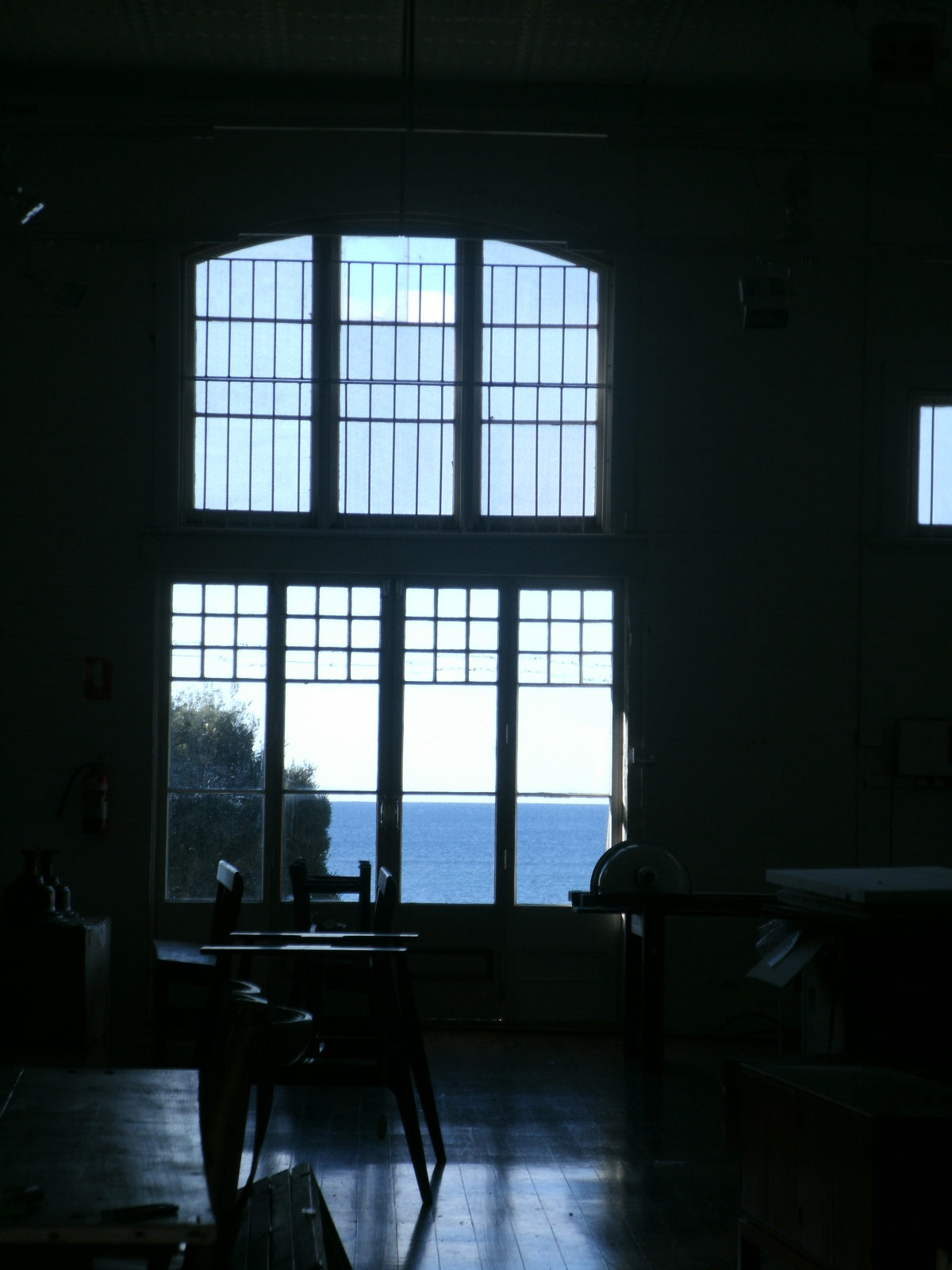 Bad Photo Monday: Room with part of aview.