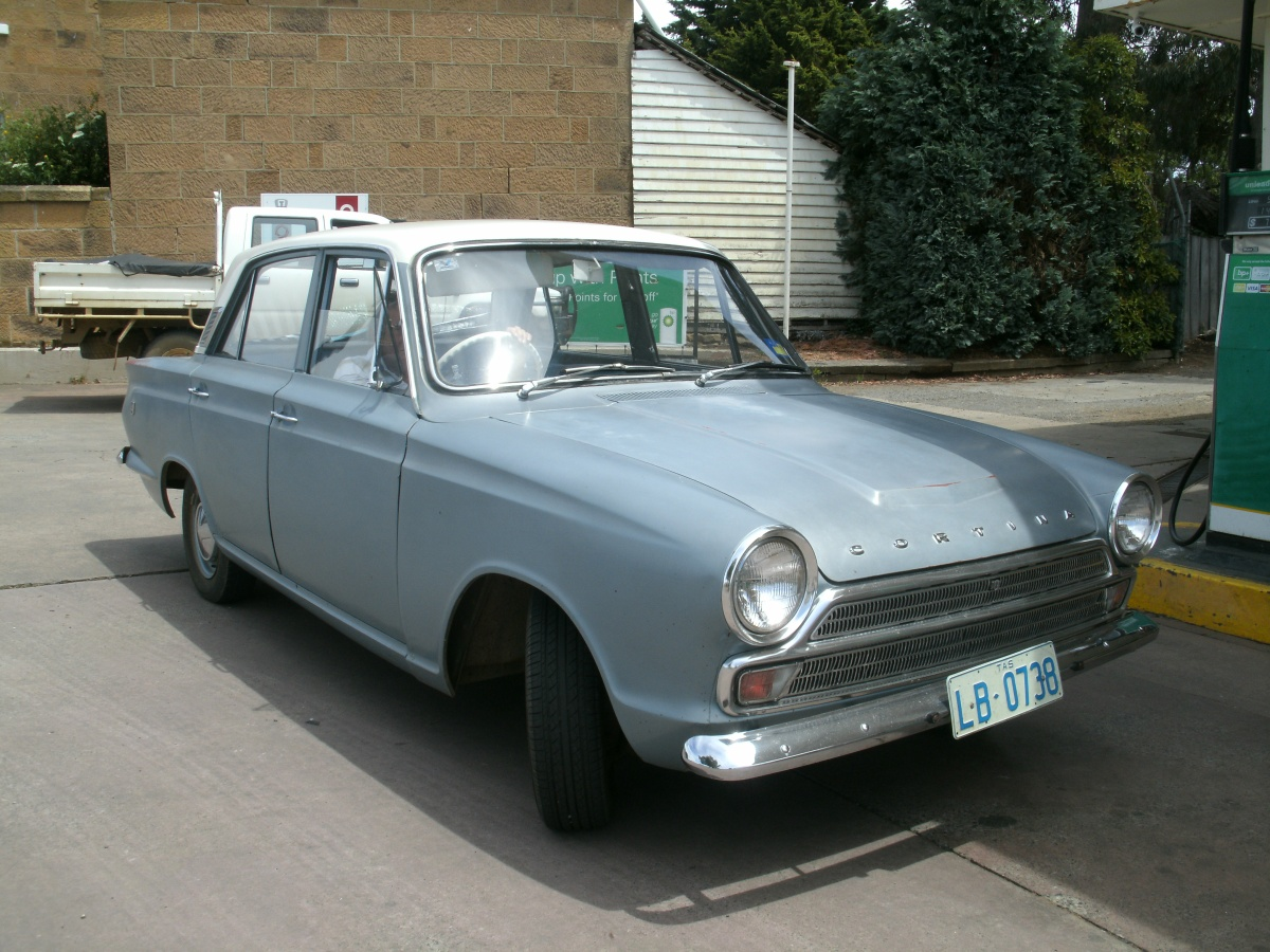 Vintage Cars: Ford Cortina