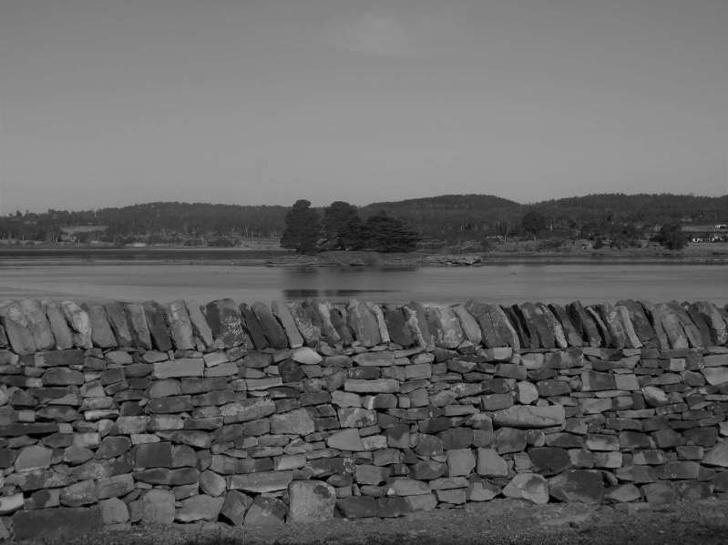 Stone wall Lake Dulverton Oatlands