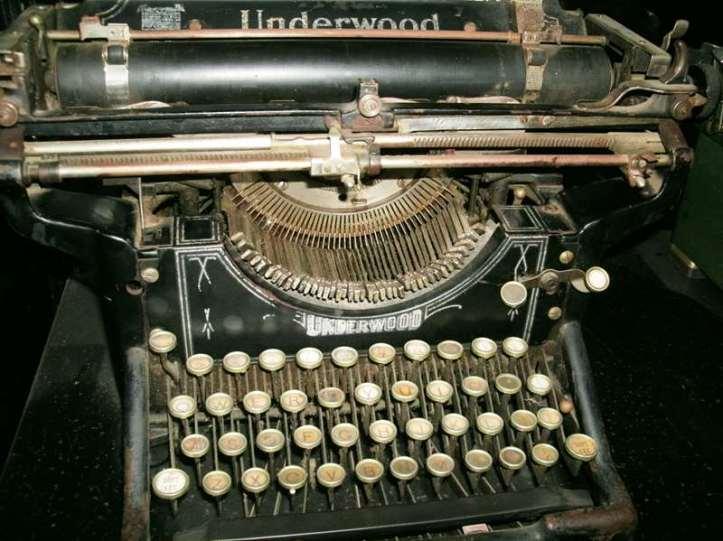 Underwood Typewriter 1911