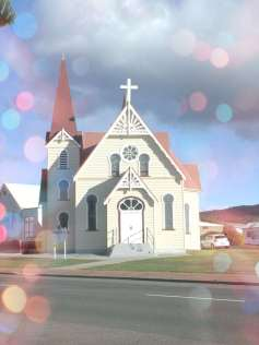 _copie-0_Penguin Church happiness