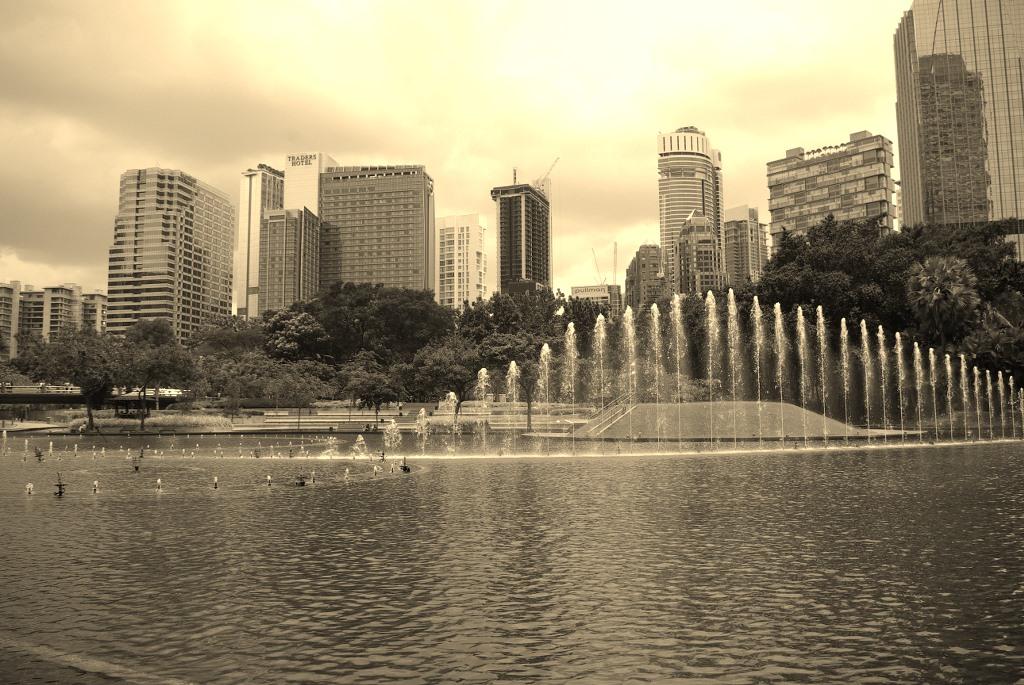 Cee's Black & White Photo Challenge: Fountains