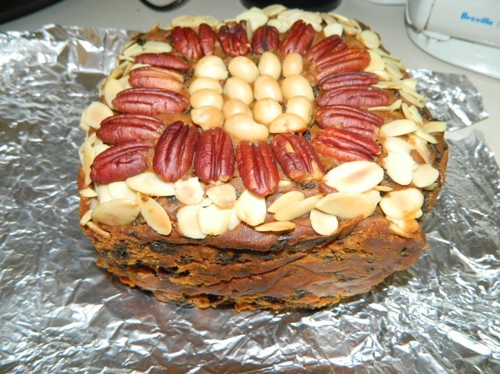 image fruit cake with nuts