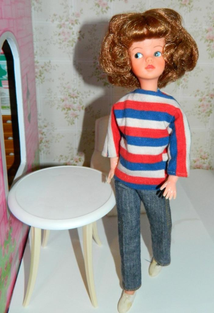 Sindy doll in Weekenders